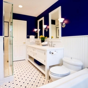Bold & dramatic bathroom design