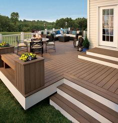 Large deck addition for entertaining